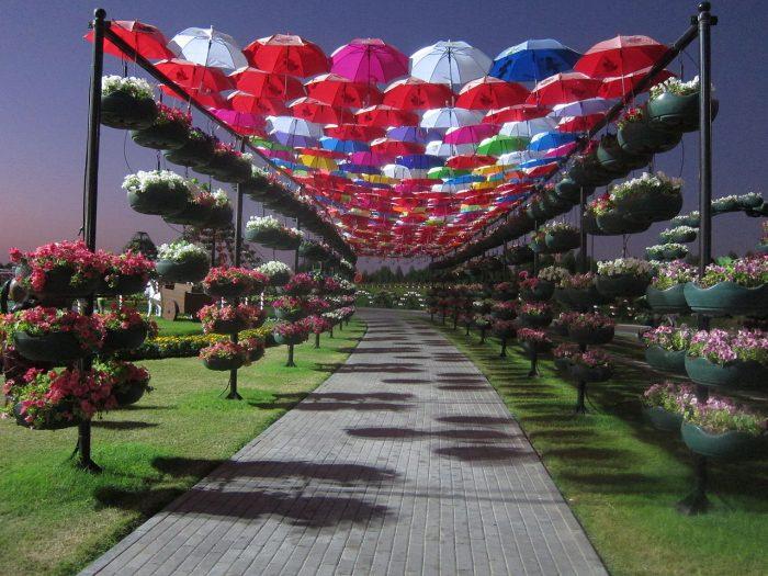 5 Amazingly Beautiful Gardens Around The World