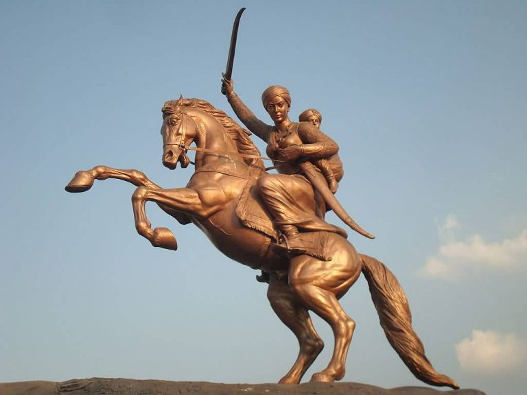 Top 5 women freedom fighters of india allrefer rani laxmibais statue in solapur altavistaventures Choice Image