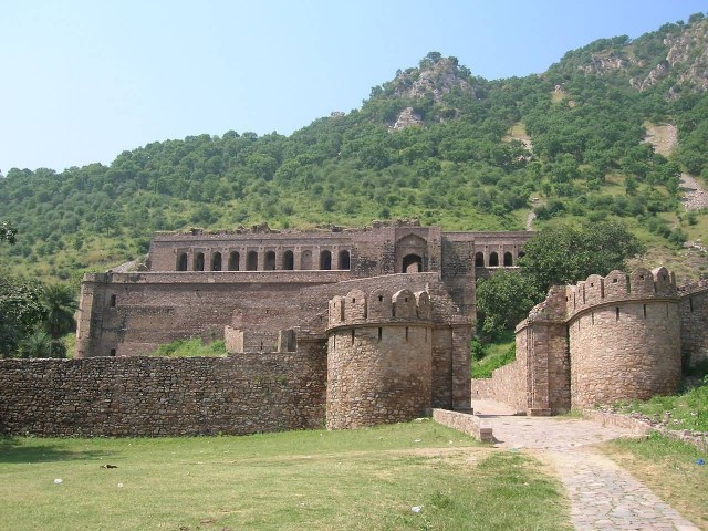 Bhangarh Fort Entrance
