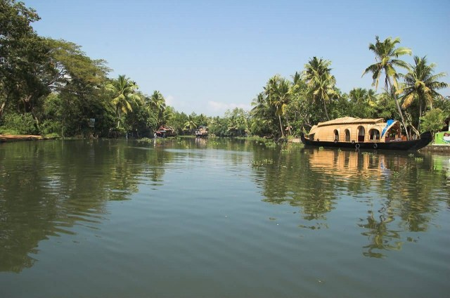 Kumarakom Houseboat