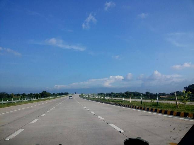 Yamuna Expressway, Delhi