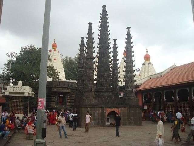 Deepstambha, Mahalaxmi Temple