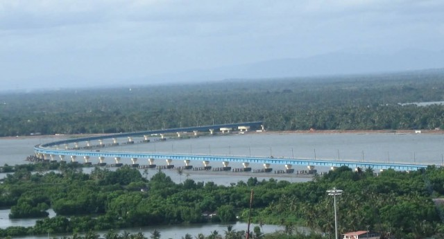 Vembanad Rail Bridge At Vallarpadam