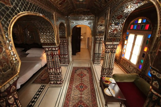 Sheesh Mahal Suite Samode Haveli