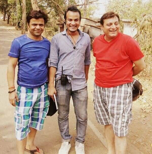 Abhishek Sharma With Rajpal Yadav And Manoj Joshi