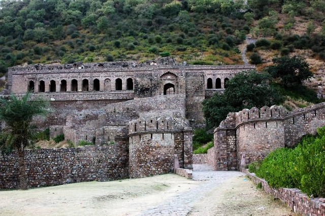 Bhangarh Fort World Top Most Haunted Place