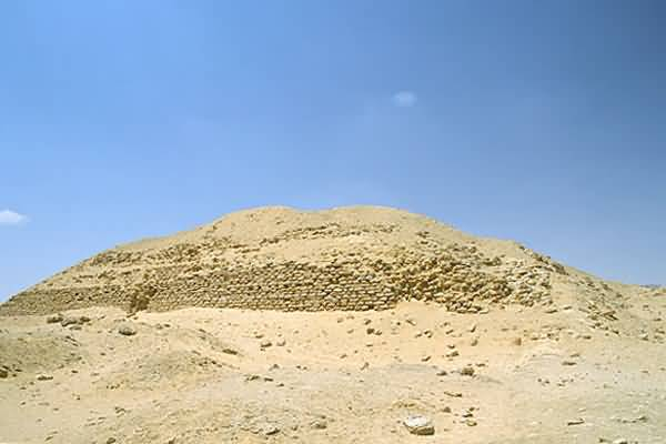 Khaba Pyramid At Zawyet El Aryan