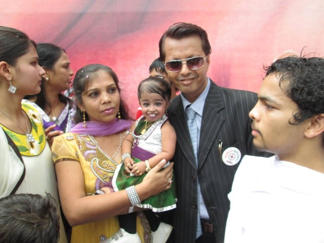 Worlds Smallest Girl Jyoti Amge At Jaipur With Paavan Solanki