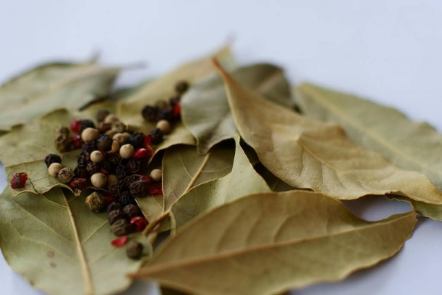 Bay leaf And Black Pepper