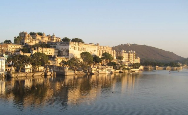 City Palace Of Udaipur Beside The Lake
