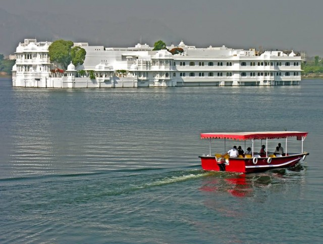 Lake Palace Hotel In Pichola Lake
