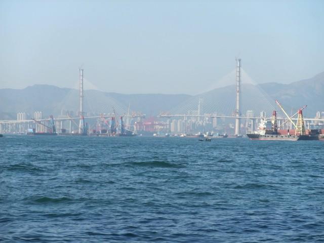 Stonecutters bridge (Photo Credit: Minghong  / CC BY-SA 3.0)