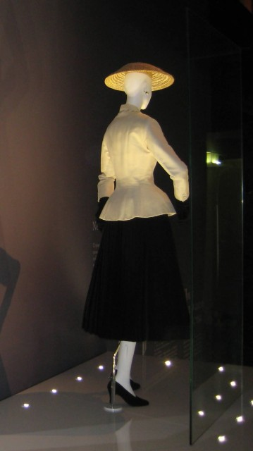 Dior Exhibition (Photo Credit: shakko / CC BY-SA 3.0)