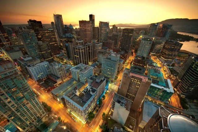 Downtown Vancouver Sunset (Photo Credit: Magnus Larsson / CC BY-SA 2.0)