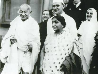 Sarojini Naidu In London With Mahatma Gandhi
