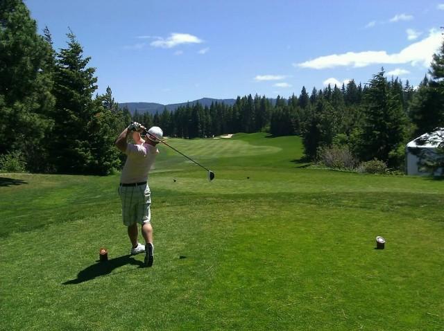 Golfer Swing (Photo Credit: Lilrizz/ Public Domain)