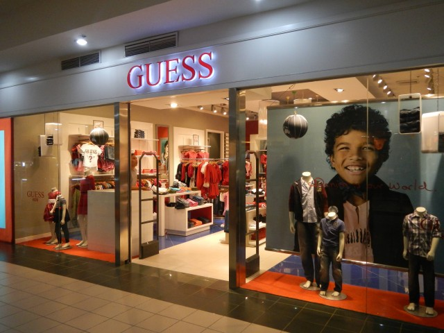 Guess (Photo Credit: Ramon FVelasquez / CC BY-SA 3.0)