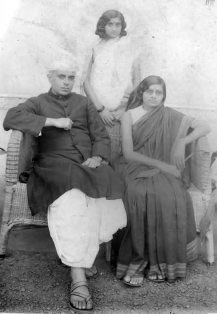Jawaharlal, Kamala And Indira Nehru