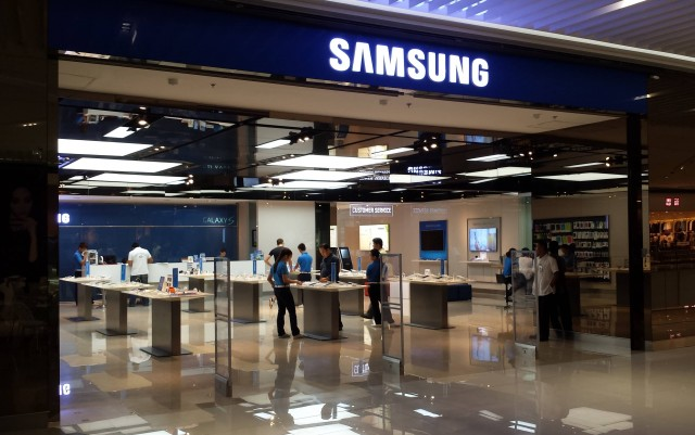 Samsung Store (Photo Credit: Hans Olav Lien / CC BY-SA 3.0)