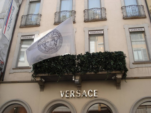 Versace (Photo Credit: Bahar / CC BY-SA 3.0)